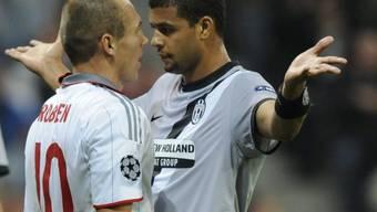 Verbales Rencontre mit Bayerns Arjen Robben (l.) und Juves Felipe Melo