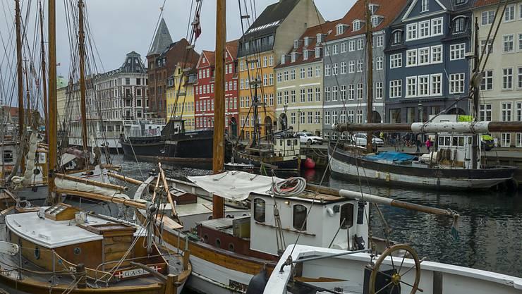 Wer bei Hotelplan für die nächsten Wochen eine Pauschalreise gebucht hat - zum Beispiel eine Städtereise nach Kopenhagen - gebucht hat, kann diese kostenlos annulieren. (KEYSTONE/Georgios Kefalas)