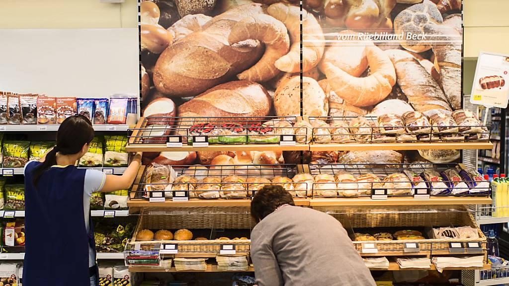 Der Agrarkonzern Fenaco hat den Gewinn im Jahr 2020 deutlich gesteigert. Vor allem in den  Volg- und Landi-Geschäften wurde während der Coronakrise mehr eingekauft als im Jahr davor.(Archivbild)