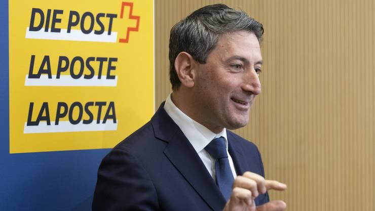 Roberto Cirillo, neuer CEO der Schweizerischen Post, gibt ein Interview während einer Medienkonferenz am Mittwoch in Bern.