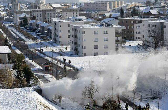 Feuer nach Brand in Stromverteiler-Anlage in Bulle FR am Samstag