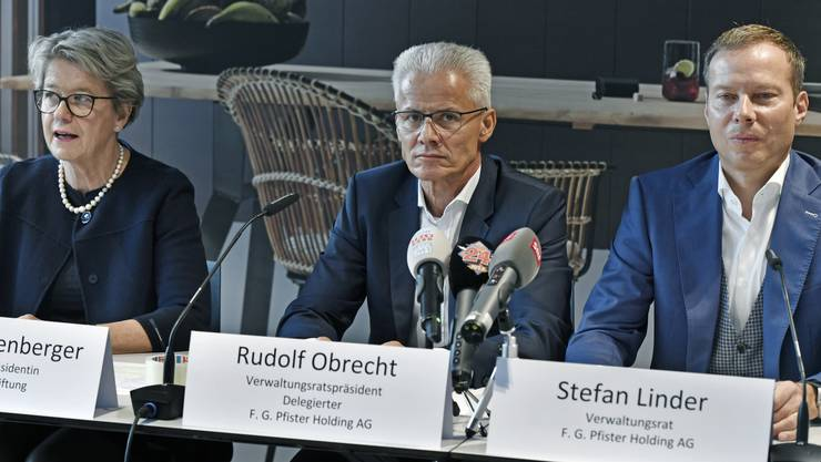 Corina Eichenberger, Rudolf Obrecht und Stefan Linder am 23. Oktober in Zürich bei der Bekanntgabe des Verkaufs von Möbel Pfister an XXXLutz.