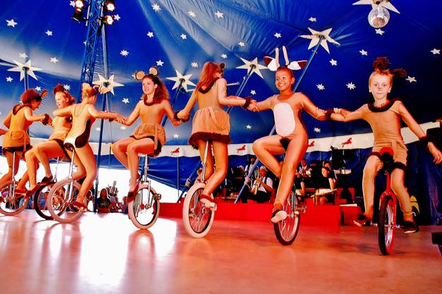 Die Kinder haben die Freiheit, ihren eigenen Zirkus zu machen und erhalten auch die Möglichkeit, ihre Wünsche und Träume selber zu verwirklichen.