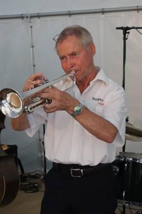 Trompeter Dieter Holtkamp von der Bucktown Jazzband interpretiert den «Bucktown Shuffle».