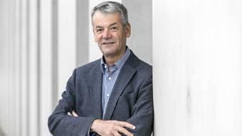 Walter Jucker (SP) gibt die Leitung des Schlieremer Parlaments an seinen Nachfolger ab.