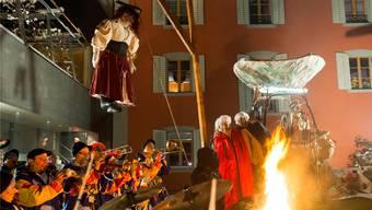 """Der """"Polteri"""" wird am Gruusigen Mettwoch in Oberrohrdorf gehängt – die Fasnacht beginnt"""