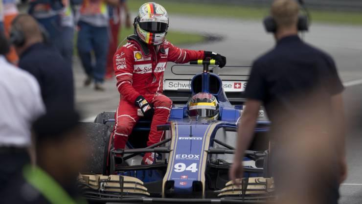 Sebastian Vettel durfte nach seinem Crash bei Sauber-Pilot Pascal Wehrlein mitfahren