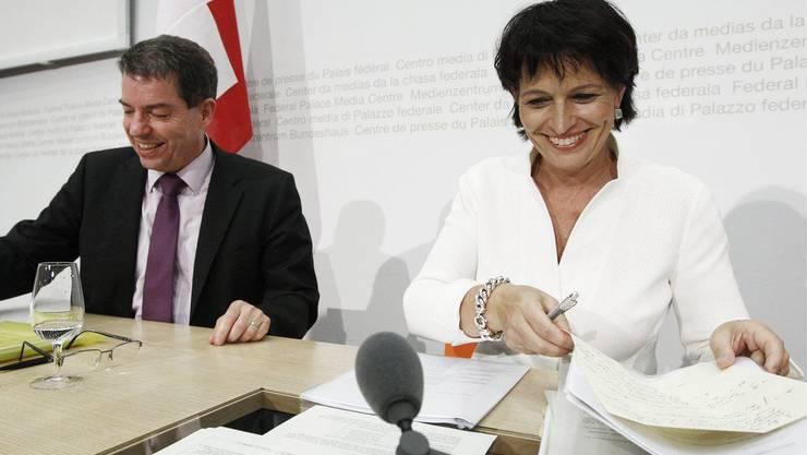 Bundesraetin Doris Leuthard an der Seite von Astra-Direktor Rudolf Dieterle.