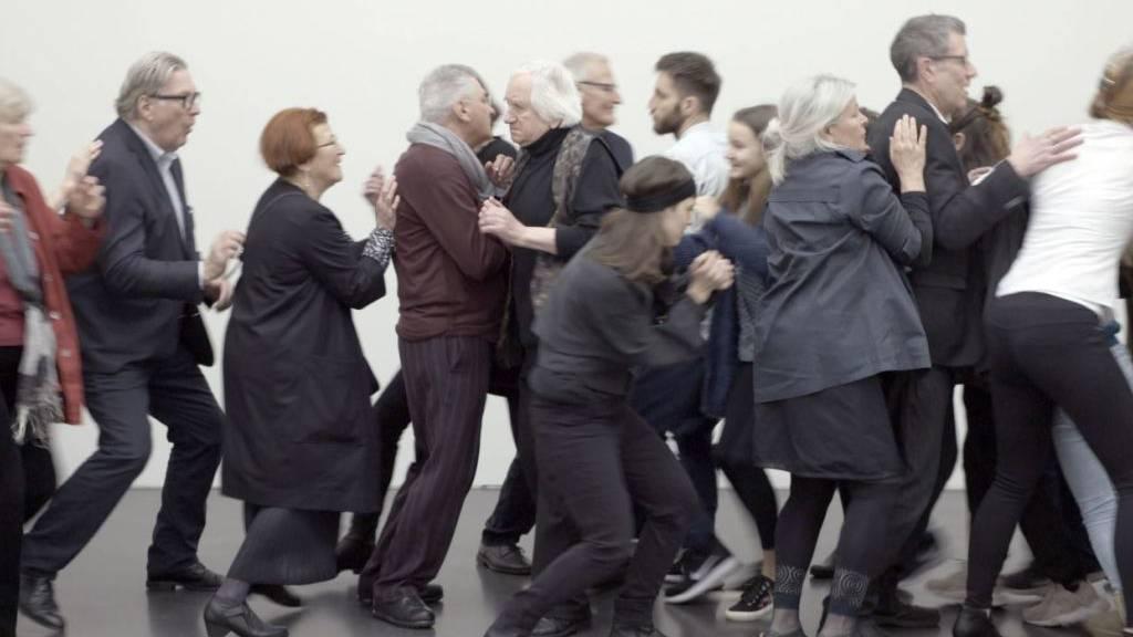 Werke zur Gesellschaft und ihren Mechanismen im Kunstmuseum Luzern