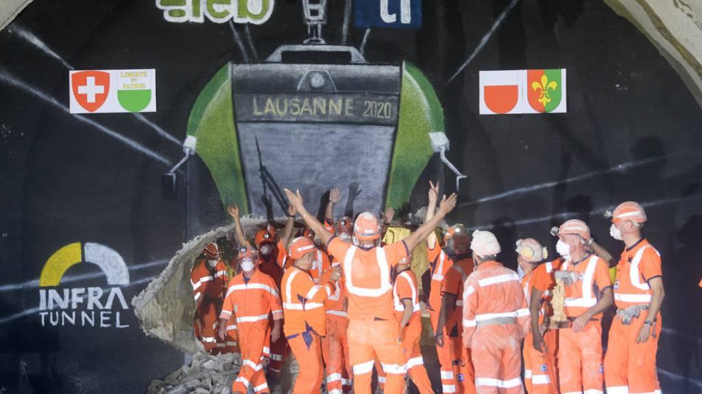 Tunnel für Waadtländer Regionalbahn durchstochen