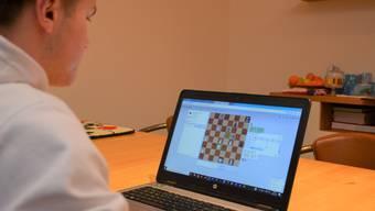Montagabends ab 19.45 Uhr wird online Schach gespielt.