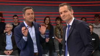 Das Lächeln eines Mannes, der die Wahrheit kennt: Jonas Projer, rechts, demontiert Historiker Daniele Ganser (links).