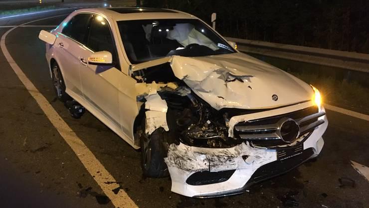 Ein Mercedes-Fahrer verlor beim Abbiegen von der Mellingerstrasse in die Birmenstorferstrasse die Herrschaft über seinen Boliden.