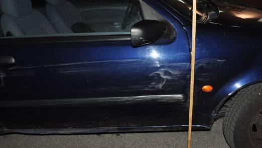 Durch die Kollision entstandene Fahrzeugbeschädigung