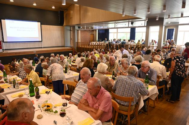 Der Stadtpräsident ging von Tisch zu Tisch und begrüsste die Anwesenden.