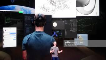 Neue Herausforderungen: Facebook-Gründer Mark Zuckerberg präsentiert Innovationen.  (Photo by The Asahi Shimbun via Getty Images)