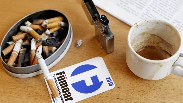 Der Verein Fümoar gibt nicht auf: Nun lancieren sie eine Volksinitiative gegen das strikte Rauchverbot.