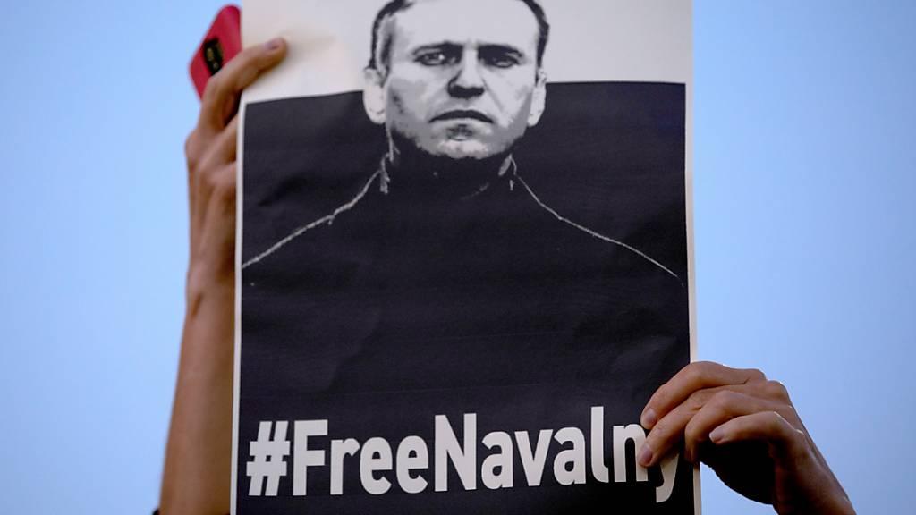 Gericht verhängt Arbeitsverbot gegen Nawalny-Organisationen