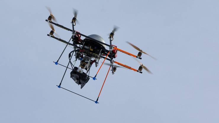 Wann der Drohneneinsatz legal ist, ist ein heikles Thema (Symbolbild).