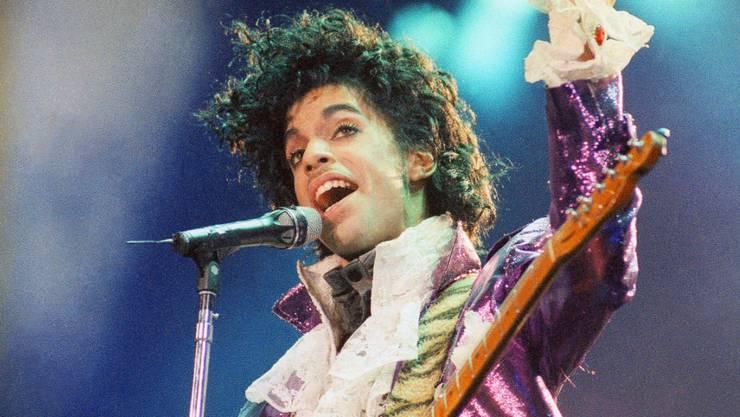 Weitere Klagen nach dem Tod von Prince: Die Familie zieht ein Spital und eine Apotheken-Kette vor Gericht. (Archivbild)