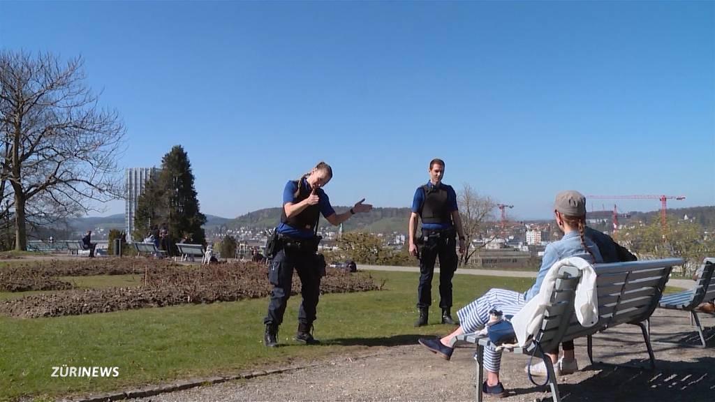 Der Schweiz drohen zwei Jahre lang Social Distancing