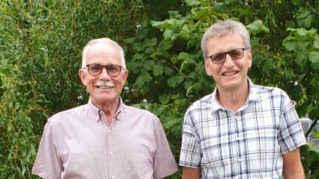 Kurt Häfliger (links) mit dem Gemeinderatskandidaten Martin Löffel
