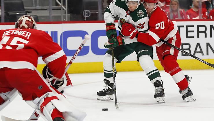 Minnesotas Kevin Fiala (am Puck) war von den Detroit Red Wings kaum zu stoppen