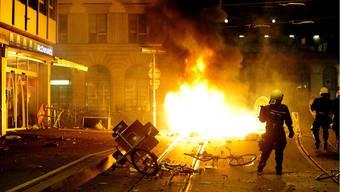 Ausschreitung am Zürcher Bellevue: Die Polizei setzte Gummischrot und Reizstoff ein