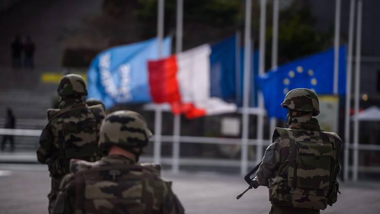 Frankreich in Alarmbereitschaft: 150 Ex-Terroristen stehen vor der Freilassung - wie geht man mit ihnen um?