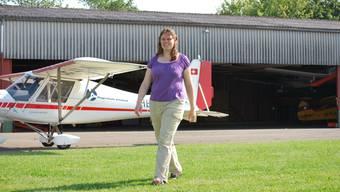 Ok-Präsidentin Yvonne Müller vor dem Flugzeug-Hangar, in dem Ende September das Schupfart Festival stattfinden wird.