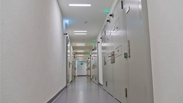 Ein Zellengang im Massnahmenzentrum Uitikon, das keine Probleme mit Leerständen kennt. Emanuel PER FREUDIGER