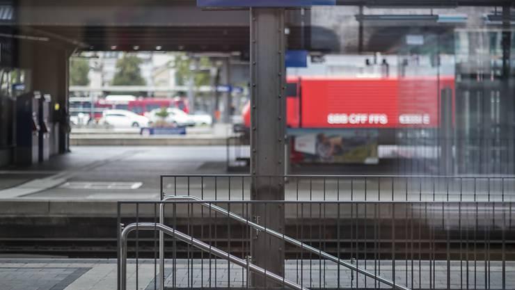 Anschlusszug weg: Die SBB testet zurzeit, wie sich kürzere Wartezeiten auf verspätete Anschlusszüge auf die Pünktlichkeit ihrer Züge auswirken. (Symbolbild)