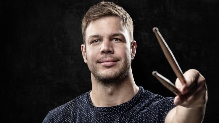 Er wusste bereits mit vier Jahren, dass die Drumsticks ihn durchs Leben begleiten werden: Gregor Lisser.