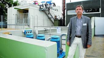 Einweihungsfeier: Vorstandspräsident Beat Weber vor der sanierten Anlage.