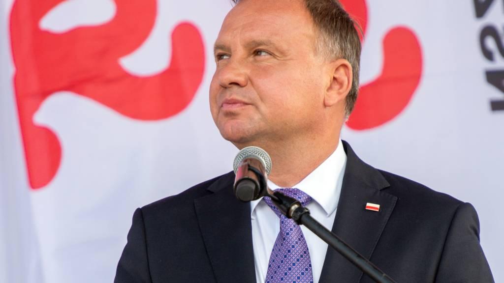 Polens Präsident Duda positiv auf Coronavirus getestet