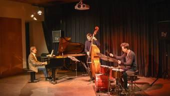 Das Jazz Live Trio: Pianist Klaus Koenig, Bassist Patrick Sommer und Schlagzeuger Andi Wettstein.