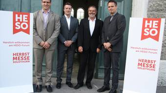 Die HESO-Geschäftsleitung mit dem neuen Messe-Logo (v. l.): Thomas Zindel (Finanzen, Geschäftsstelle), Urs Unterlerchner (Vizepräsident, Marketing), Präsident Roger Saudan und Georg Kaufmann, Leiter Baudienst.ww
