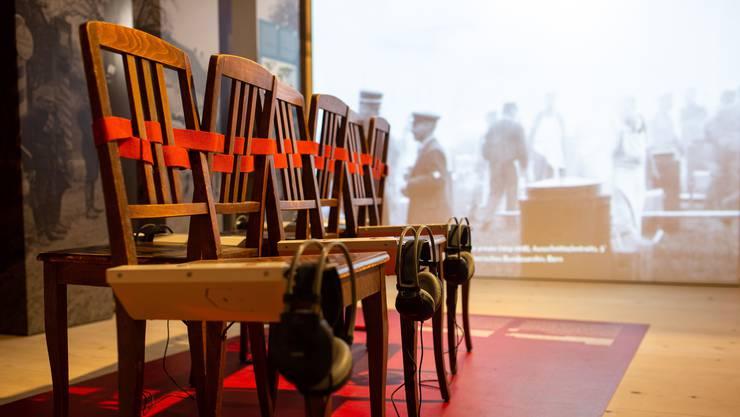 Hörstationen vermitteln ein authentisches Bild der damaligen politischen und wirtschaftlichen Verhältnisse.