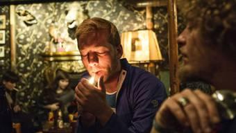 Die Bar Grenzwert hat auf das Rauchverbot reagiert und ein extravagantes Fumoir eingerichtet.