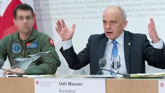 Der Solothurner Pilot Martin H. weibelte im Februar 2014 als Gripen-Testpilot neben Ueli Maurer für ein Ja zum Gripen.