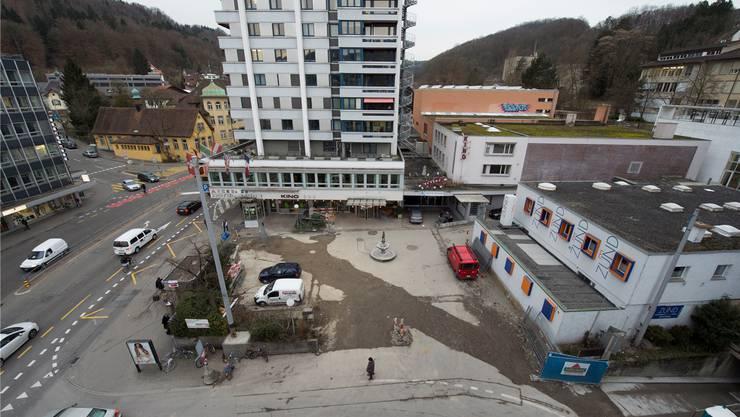 Vorstadt im Wandel: Gewerbebau Zünd und Kino Linde (rechts hinten) weichen einem Neubau. Alex Spichale