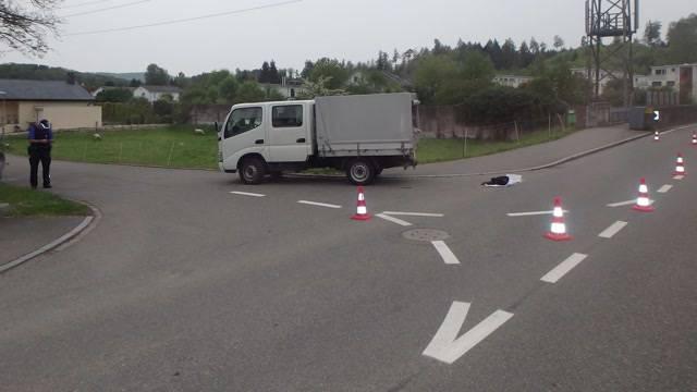 90-Jähriger stirbt nach Lieferwagen-Unfall