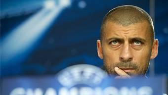 Er ist gut, er ist hart, er ist schön: Walter Samuel, die argentinische Mauer in der FCB-Abwehr, darf nicht weg! Georgios Kefalas