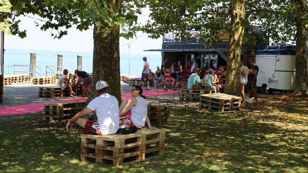 Daheimgebliebene können ihre Ferien an den Strandfestwochen verbringen. (Archivbild: St.Galler Tagblatt/Jolanda Riedener)