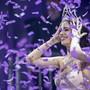 Jastina Doreen Riederer freut sich bei ihrer Kroenung zur neuen Miss Schweiz 2018, aufgenommen am Samstag, 10. Maerz 2018 in der Trafohalle in Baden. (KEYSTONE/Ennio Leanza)