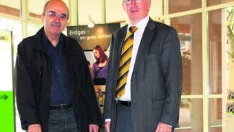 Sie Feiern den 100. Geburtstag der Gasversorgung: Werkleiter Arthur Huber und Stadtrat Jean-Pierre Balbiani aus Dietikon. (Bild: Thomas Pfann)