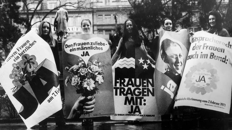 Plakate für das Frauenstimmrecht