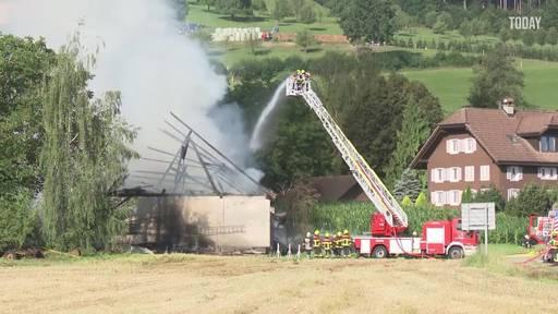 Feuer in Oberkirch brach wegen einem Defekt am Traktor aus