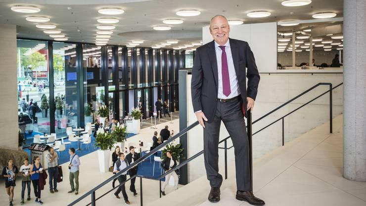 «Sie ist ein Bijou»: Swiss-Indoors-Präsident Roger Brennwald freut sich über die neue St. Jakobshalle.