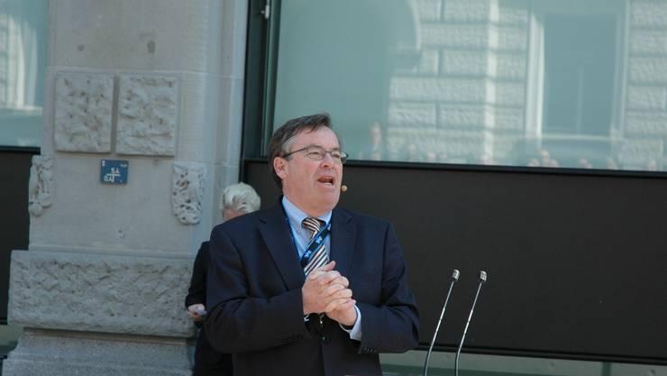 Martin Vollenwyder (FDP) tritt aus dem Zürcher Stadtrat zurück. Kandidaten von FDP, GLP und AL kämpfen um seine Nachfolge. (mts)